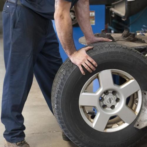 J-Tec shop and tire image